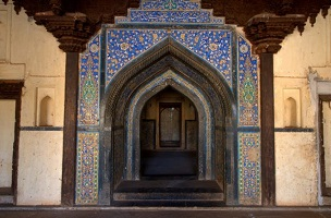 The-colourful-Mosaic-entrance-800x445